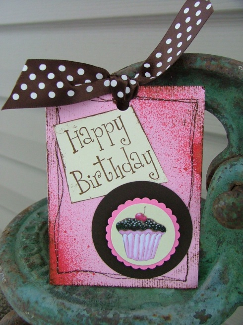 The birthday cupcake tag I created for the swap.