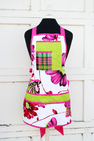 One lucky person will win this cute craft apron from Jillie Willie!